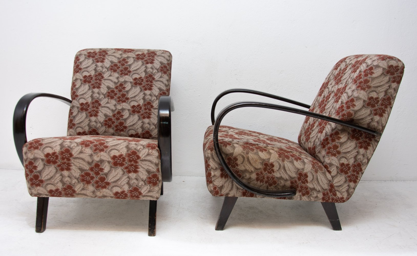 Pair of arm chairs by Jindřich Halabala for Thonet, 1950s