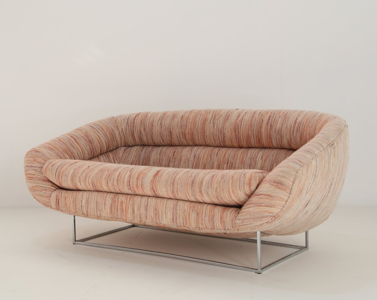 Two-seat sofa designed by Milo Baugman, 1970s