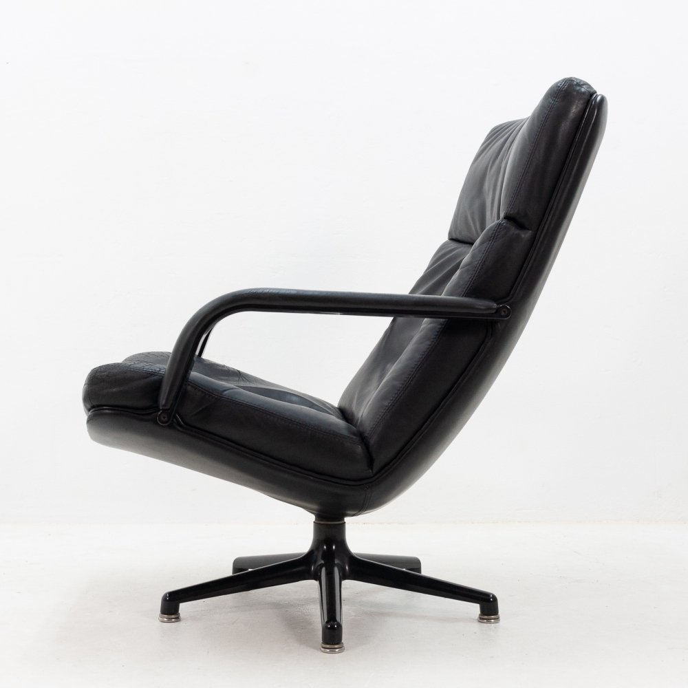 Black leather lounge chair by Geoffrey Harcourt for Artifort