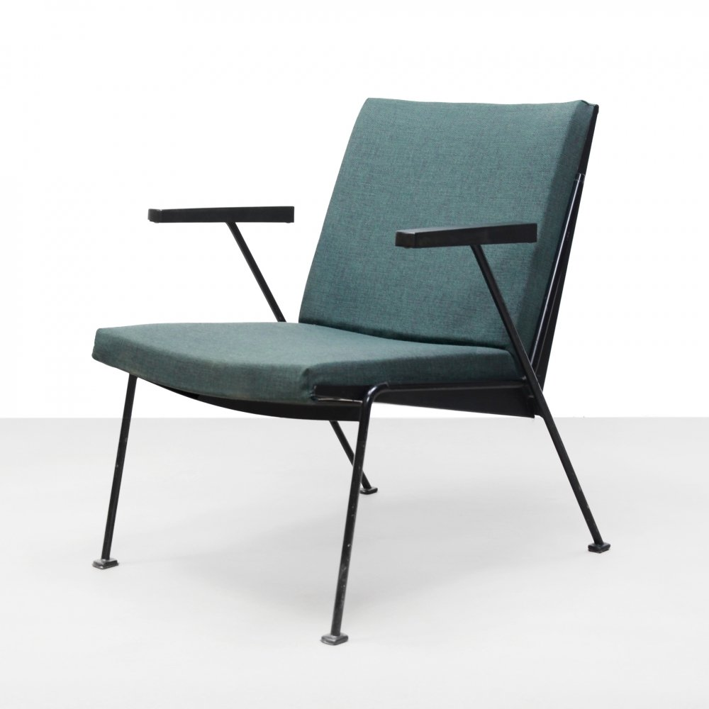 Dutch Minimalist design Wim Rietveld Oasis armchair for Ahrend de Cirkel