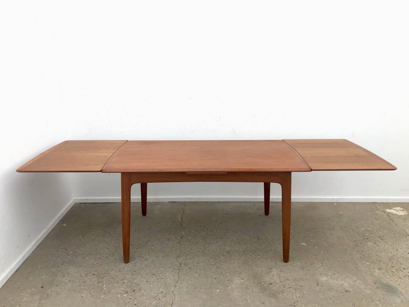 Large Extendable (145 / 255 cm) teak dining table by Svend Aage Madsen