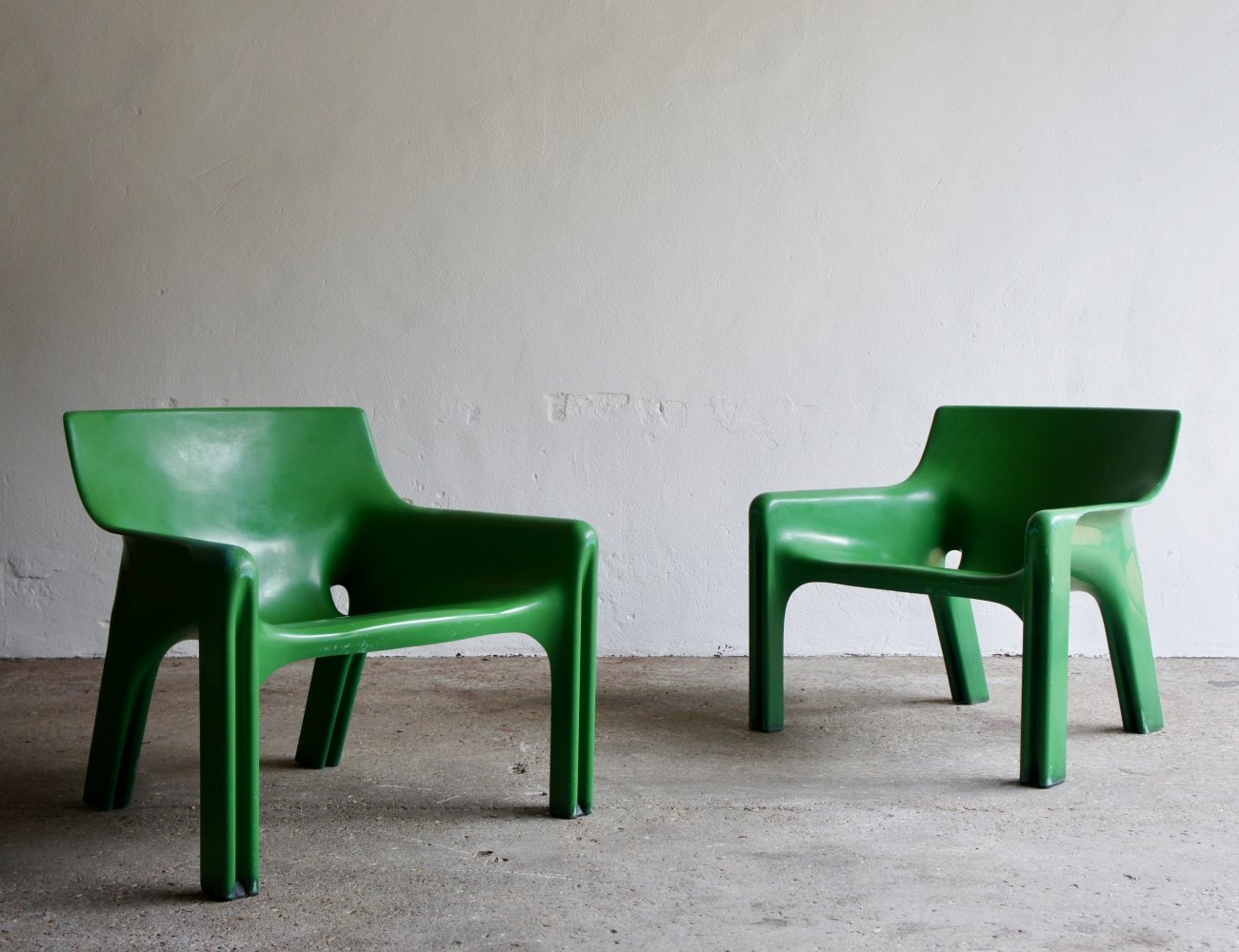 Pair of Vicario Armchairs by Vico Magistretti for Artemide, 1970s