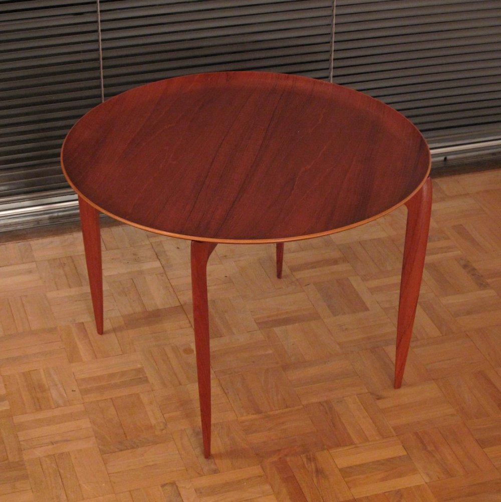 Sven Willumsen & H. Engholm Side Table for Fritz Hansen