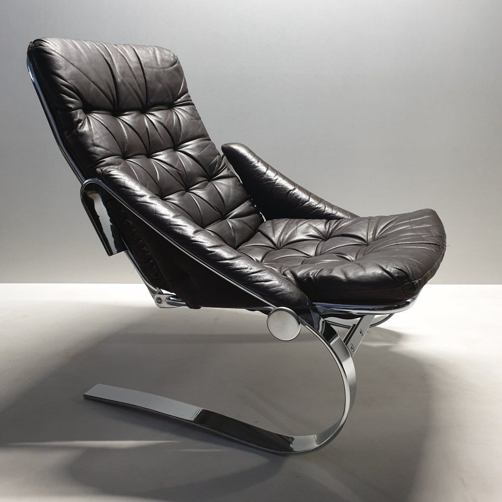 Scandinavian chrome flat steel & leather lounge chair with an adjustable backrest