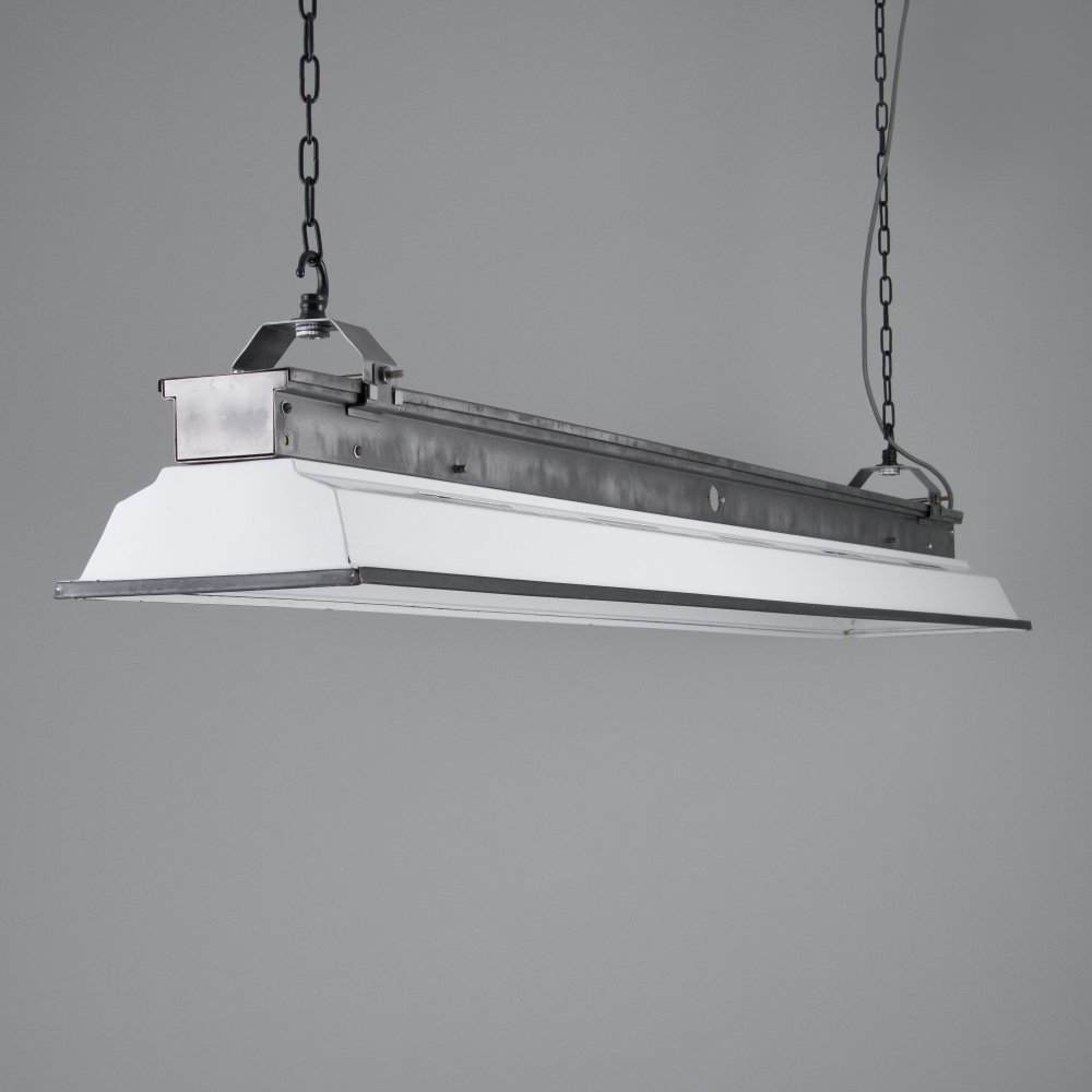 Industrial linear LED lighting by Thorlux