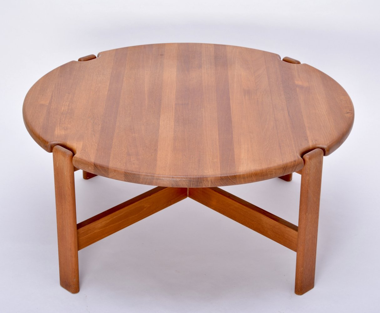 Circular Scandinavian Coffee Table from solid Teak