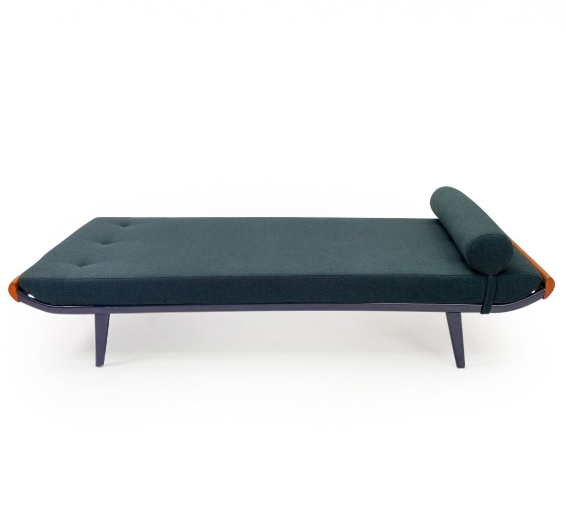 Cleopatra Daybed by André Cordemeyer