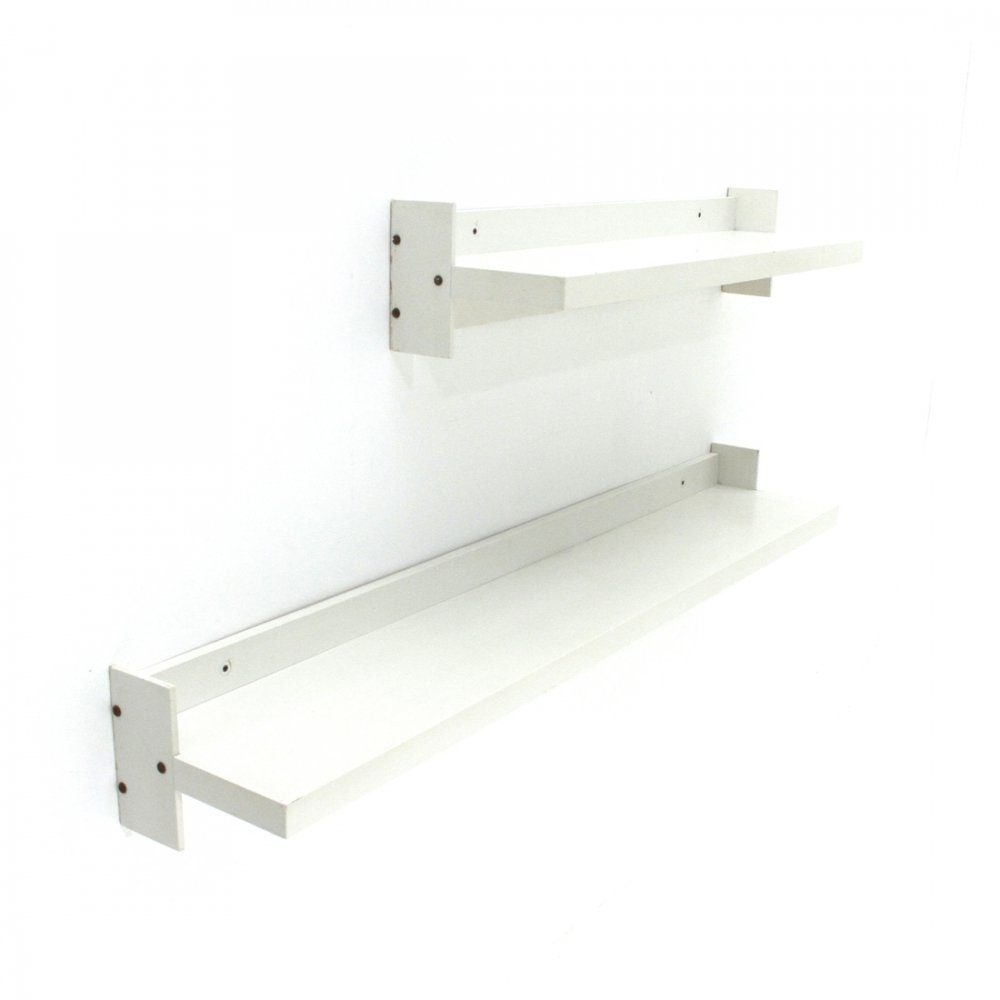 Pair of midcentury white lacquered wood shelves by Sormani, 1970s