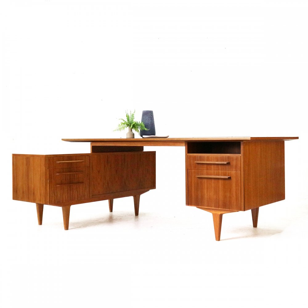 Large Mid-Century Modern Executive Desk by WK Möbel, 1960s