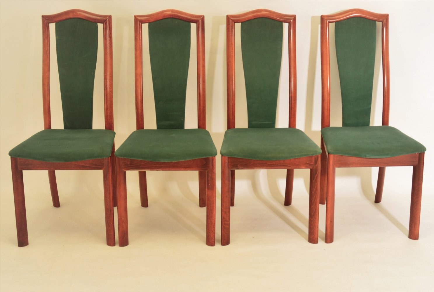 Set of 4 dining chairs by Skovby