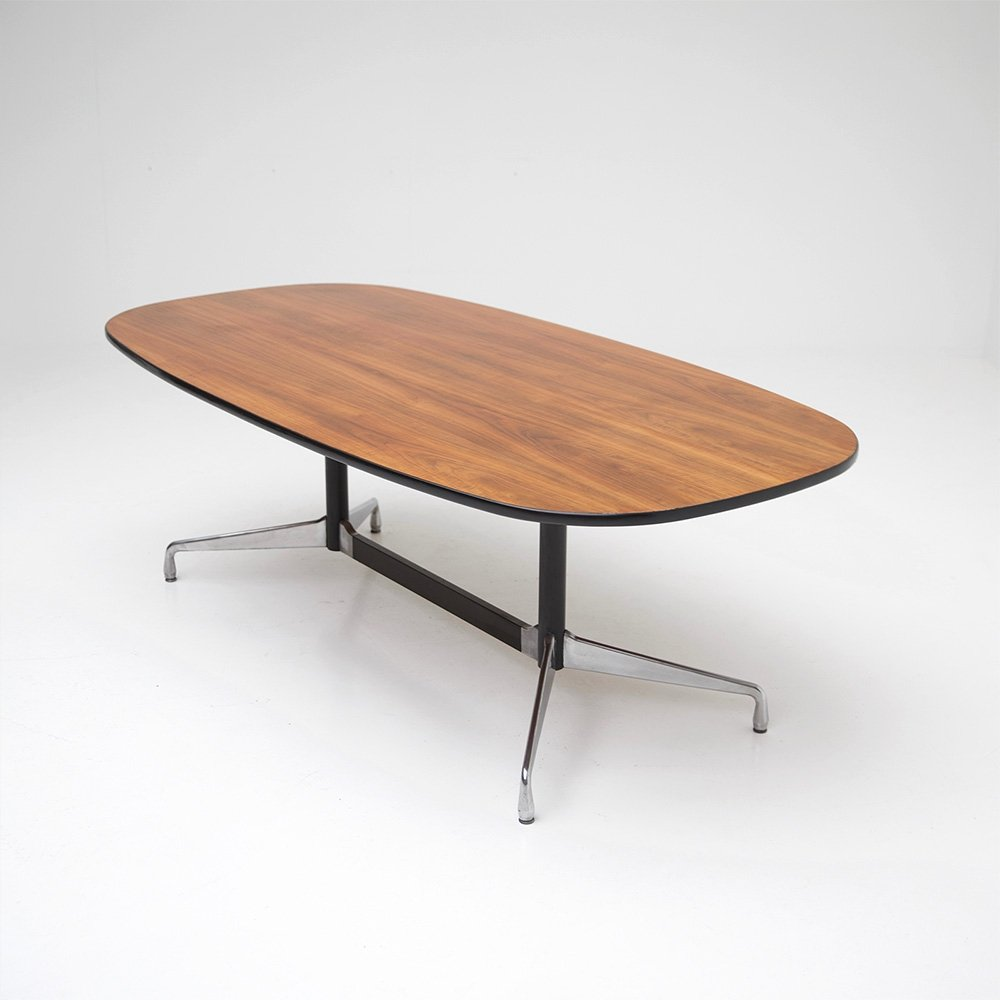 Segmented dining table by Charles & Ray Eames for Herman Miller, 1960s