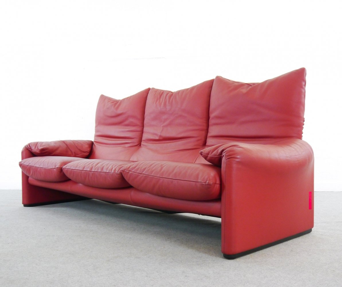 Red leather Maralunga 3seater Sofa by Vico Magistretti for Cassina
