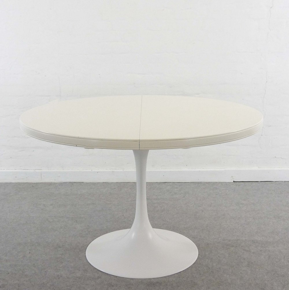 Extendable Tulip Dining Table, 1970s