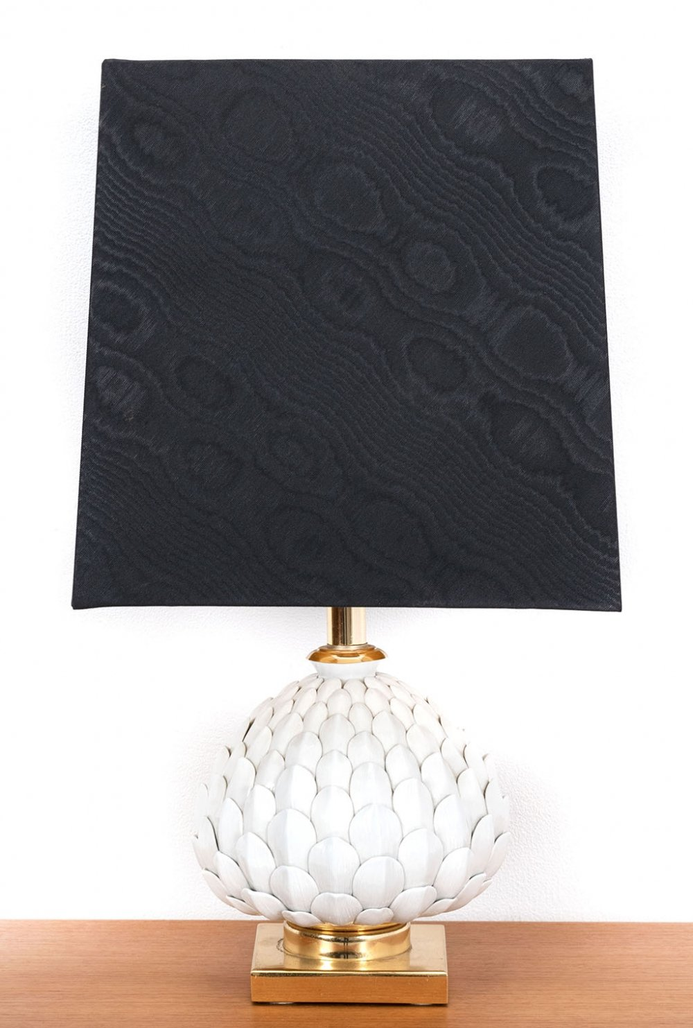 Decorative porcelain & brass table lamp with fabric shade