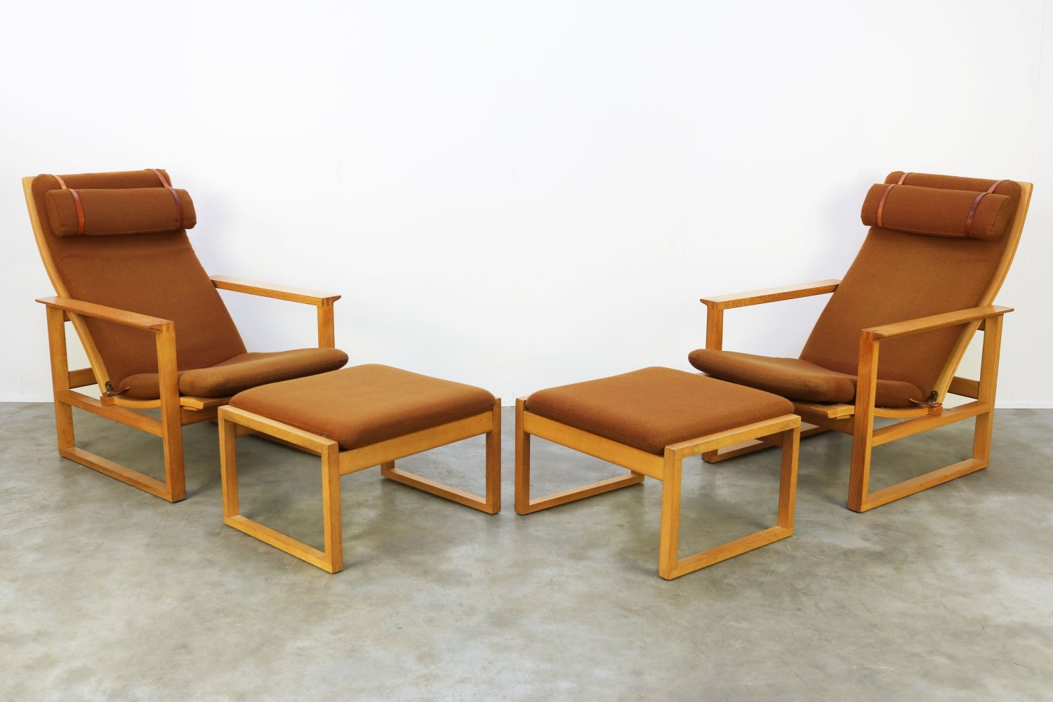 Pair of Model: 2254 Lounge chairs + Ottomans by Borge Mogensen for Fredericia