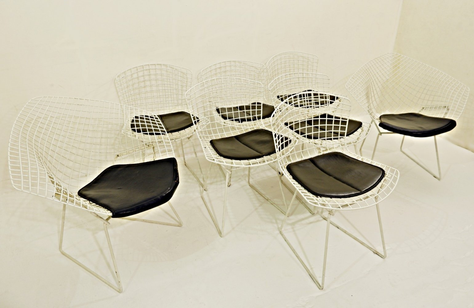 Set Of 6 Wire Chairs And 2 Diamond Armchairs by Harry Bertoia, 1960s