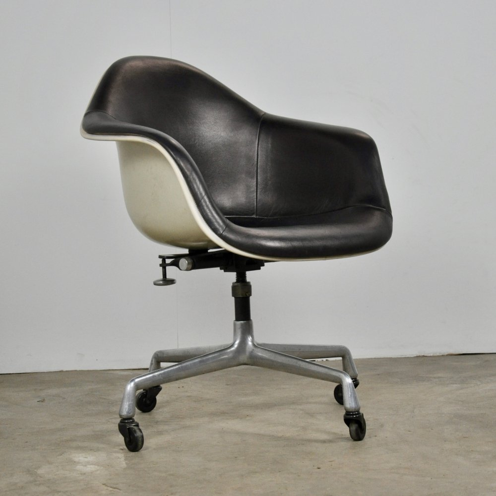 Leather Office Chair by Charles Eames for Herman Miller, 1983