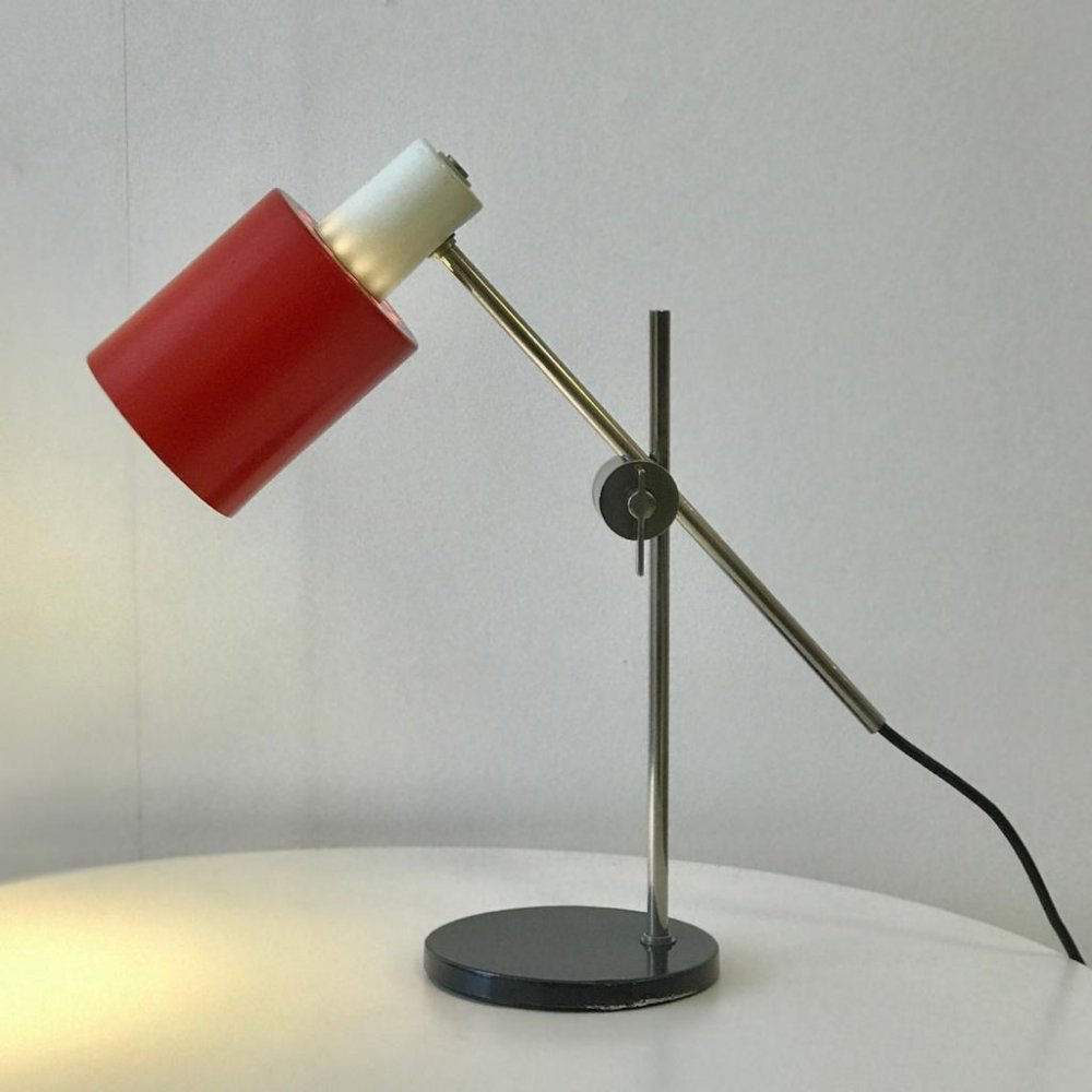 Red Hala desk lamp