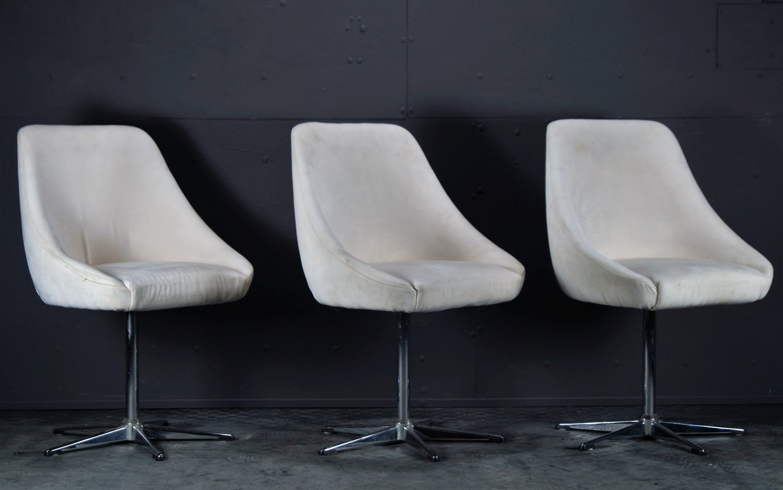 Set of 3 White suede Clubchairs by Mobitec, 1990s