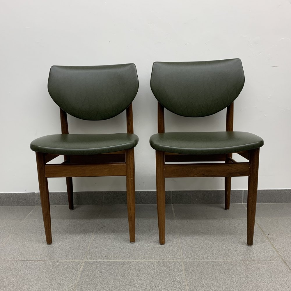 Set of 2 green dining chairs, 1960