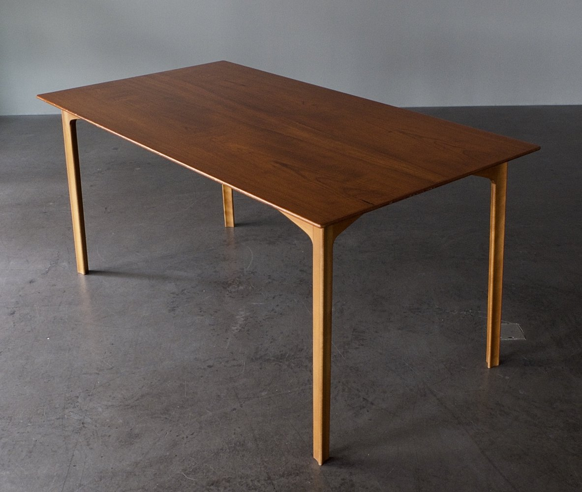 Grand Prix / Model 3130 dining table by Arne Jacobsen for Fritz Hansen, 1960s