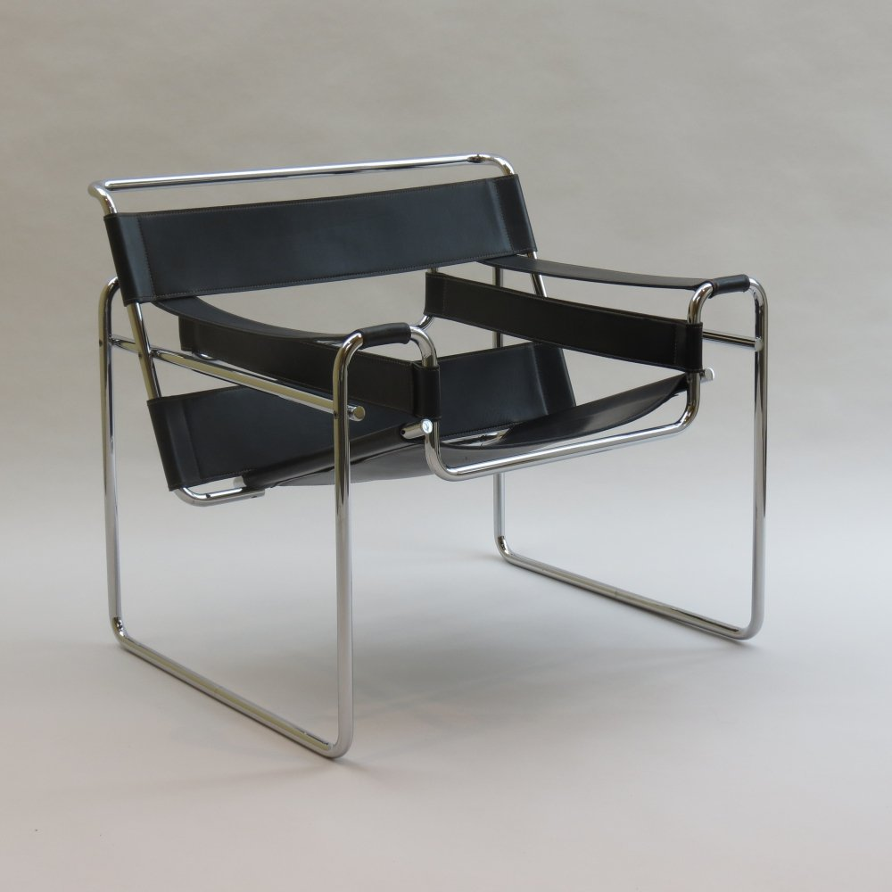 Chrome & leather B3 Wassily chair in black by Marcel Breuer for Gavina