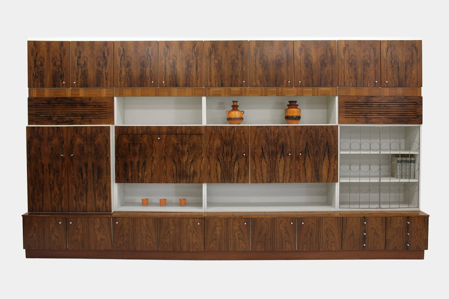 Exclusive wall unit by V-form