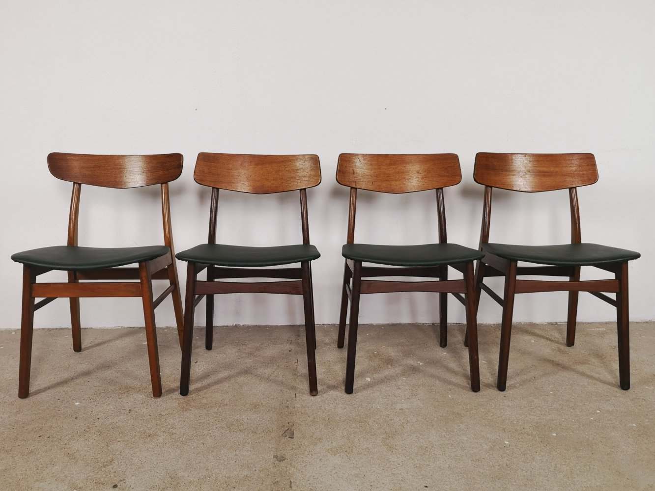4x Farstrup chairs with dark green seats