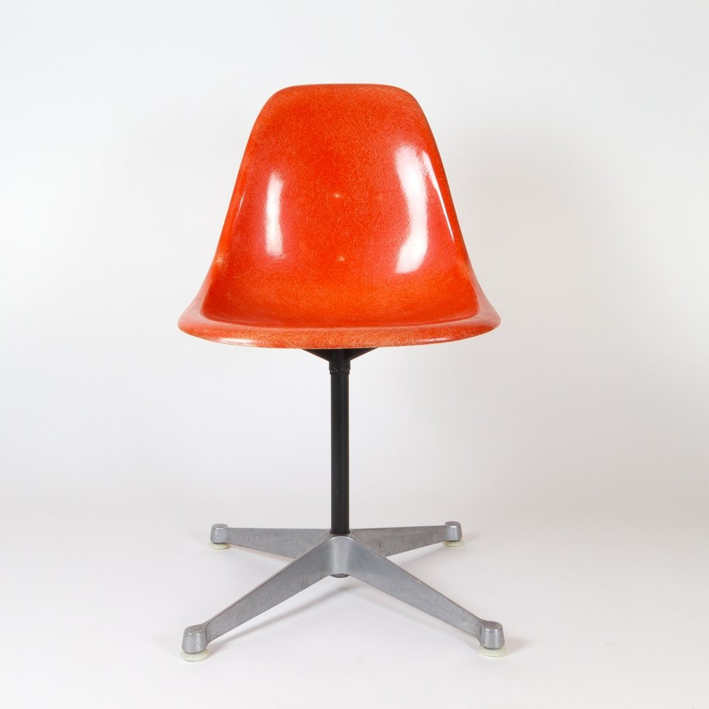 Orange Fibreglass Eames Contract Base Swivel Chair by Herman Miller