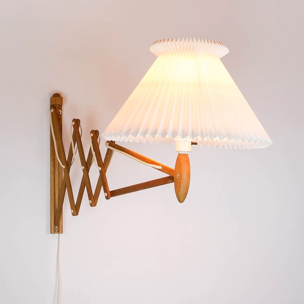 Oak Scissor Light by Erik Hansen for Le Klint, Denmark 1960s