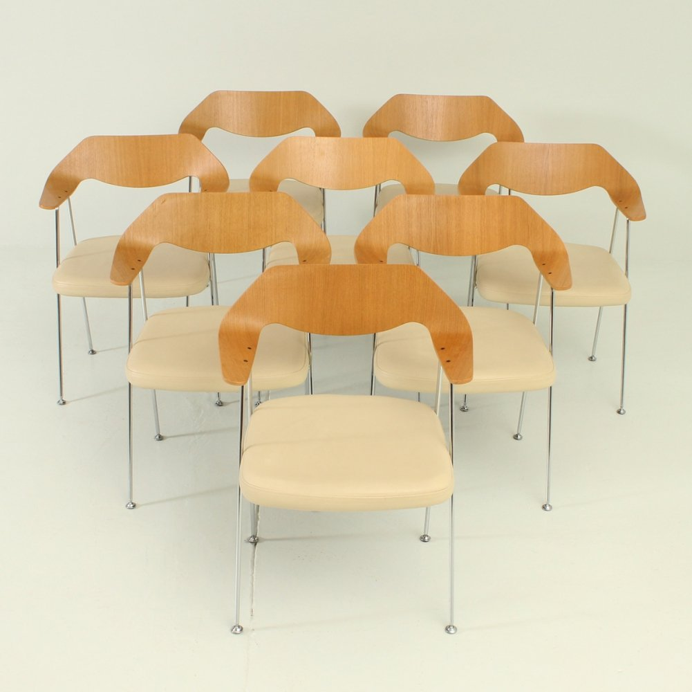 Set of Eight 675 Chairs by Robin Day, 1990s