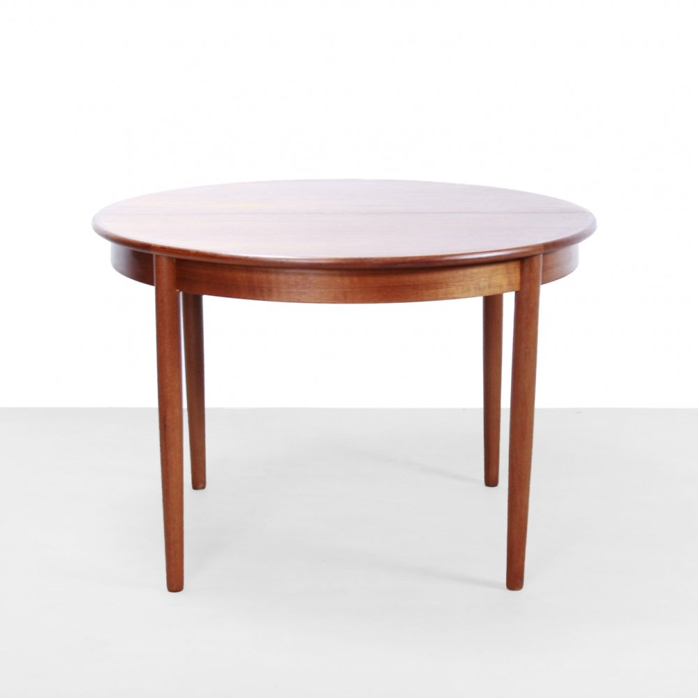 Danish Round dining table in Teak by Luno Mobler Aarhus