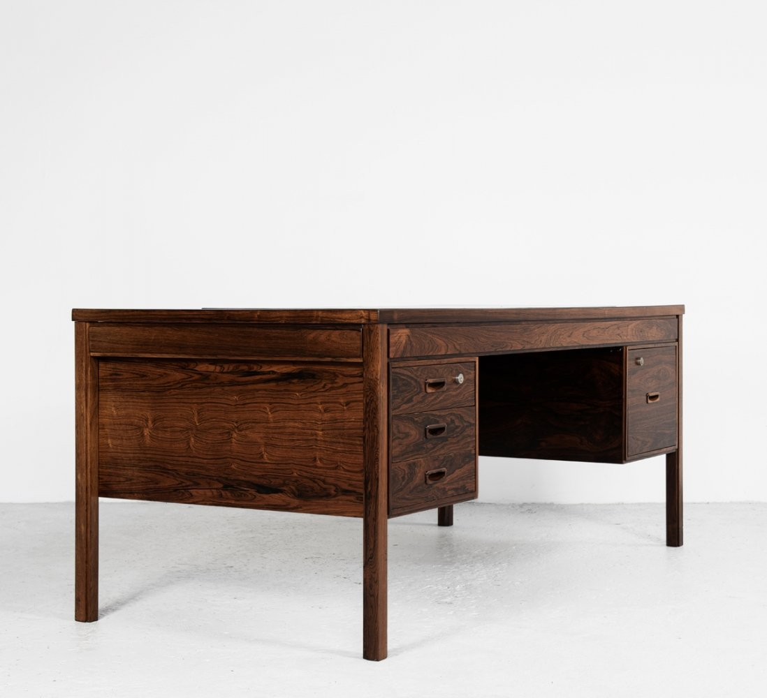 Large executive desk in rosewood & black leather by Søren Willadsen, 1960s
