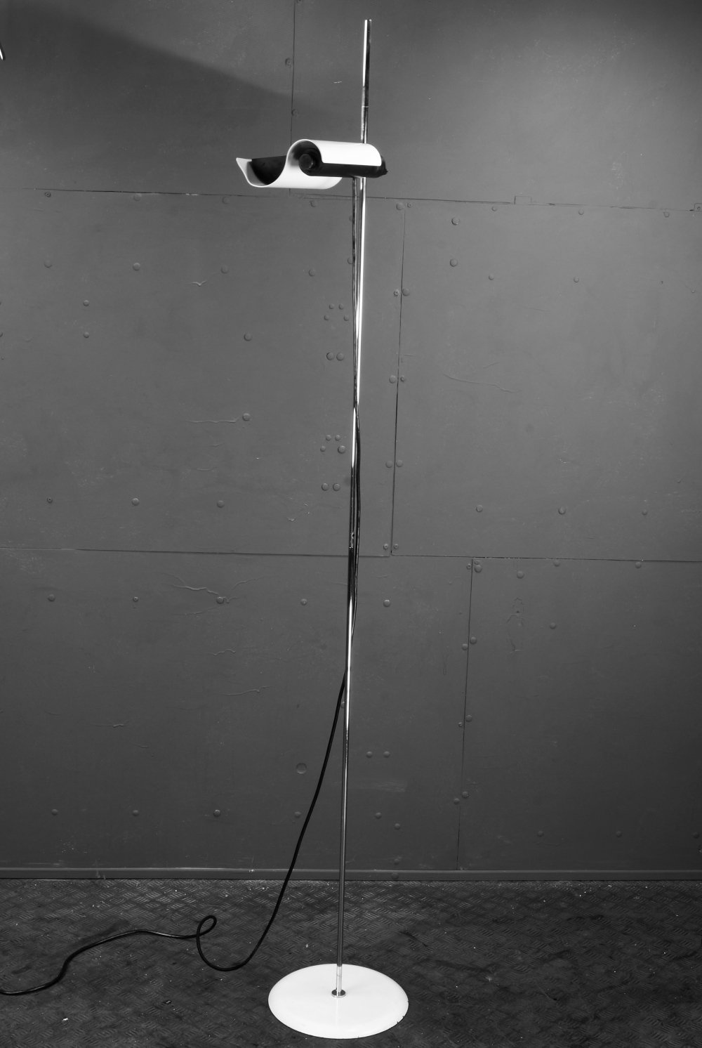 DIM 333 floor lamp by Vico Magistretti for Oluce, 1960s