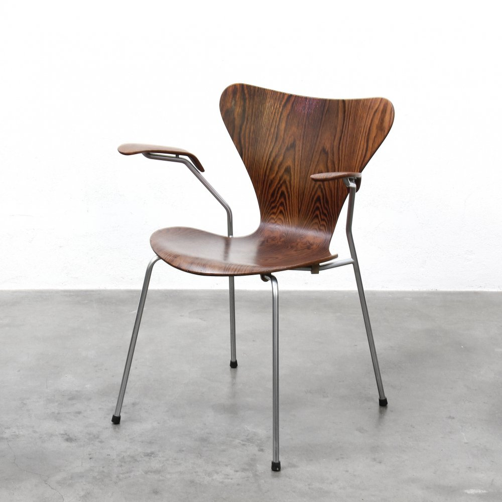 Arne Jacobsen Butterfly Chair (Series 7) with armrests, 1960s