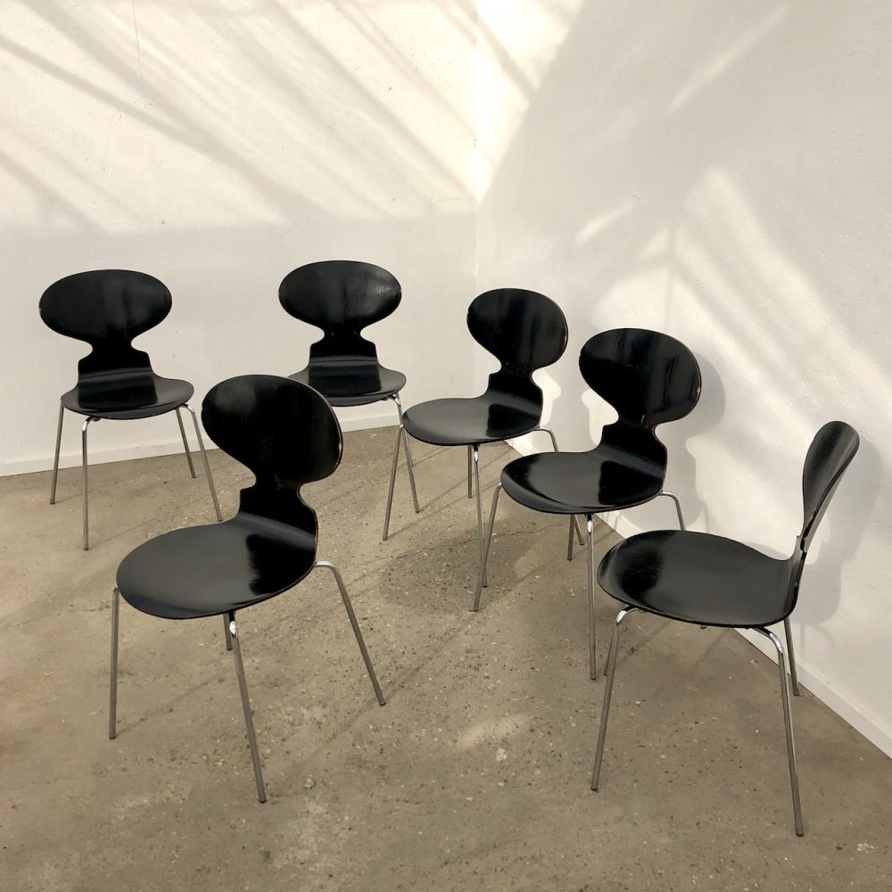 Set of 6 Fritz Arne Jacobsen Ant chairs by Fritz Hansen, 1980s