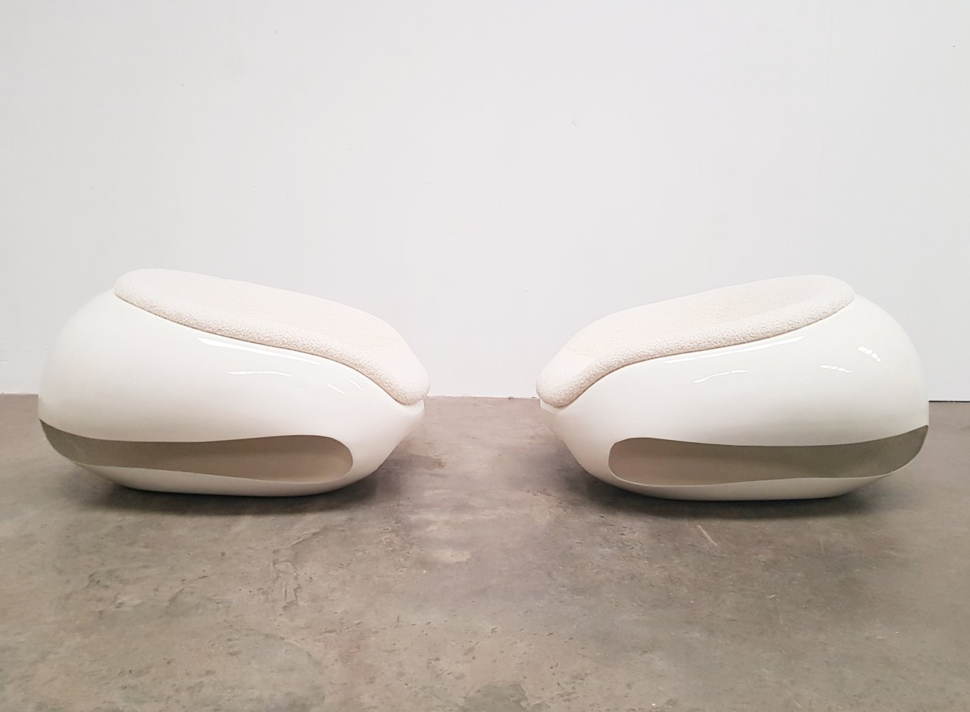 Pair of bouclé fabric Pod chairs from Mario Sabot, 1960s