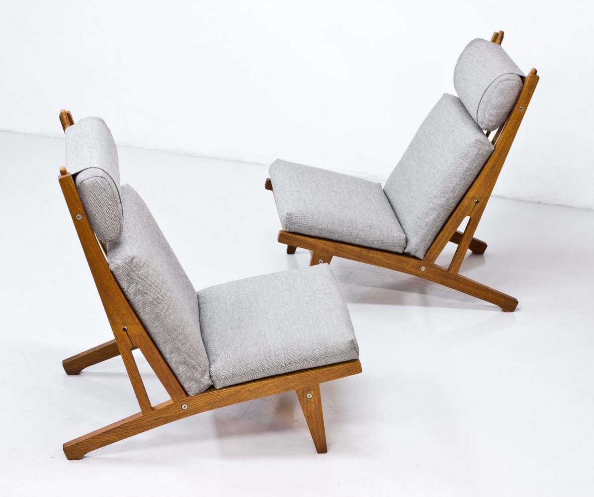 Pair of GE 375 Lounge Chairs by Hans J. Wegner