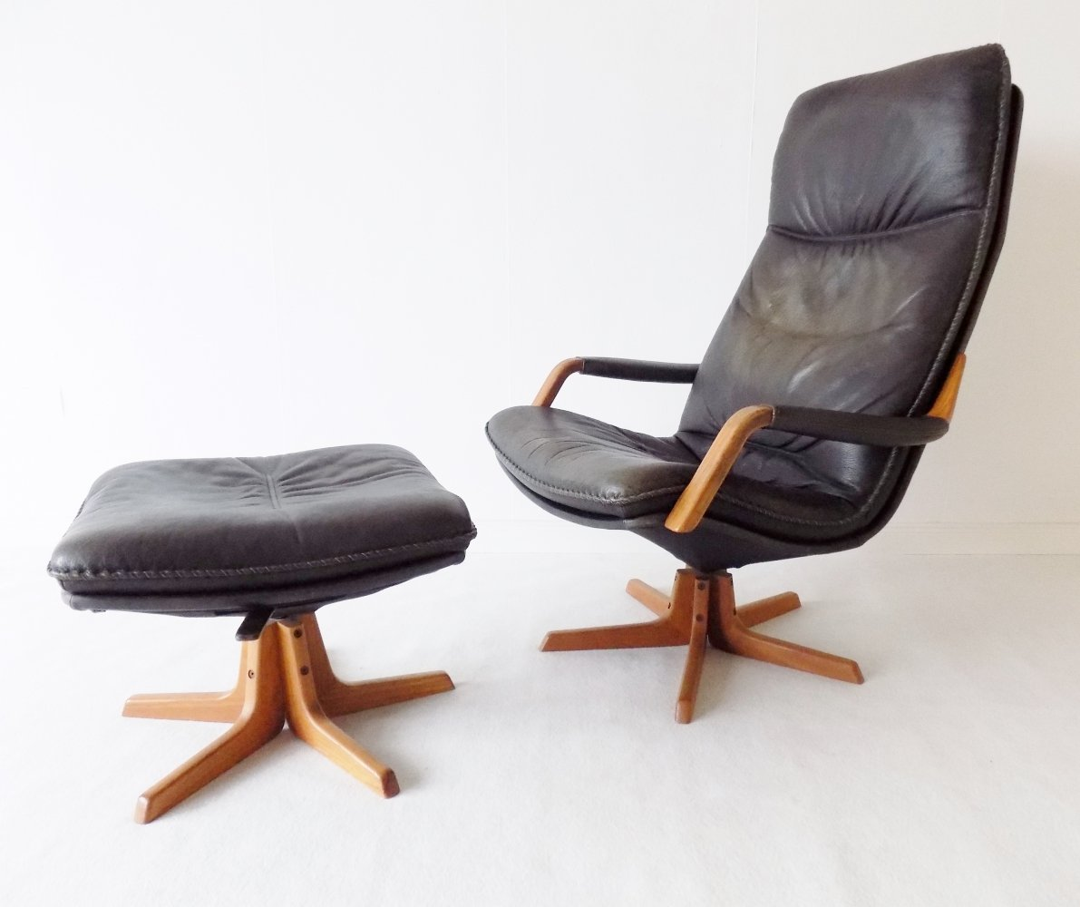 Berg Furniture grey Leather Lounge Chair with adjustable ottoman, 1970s