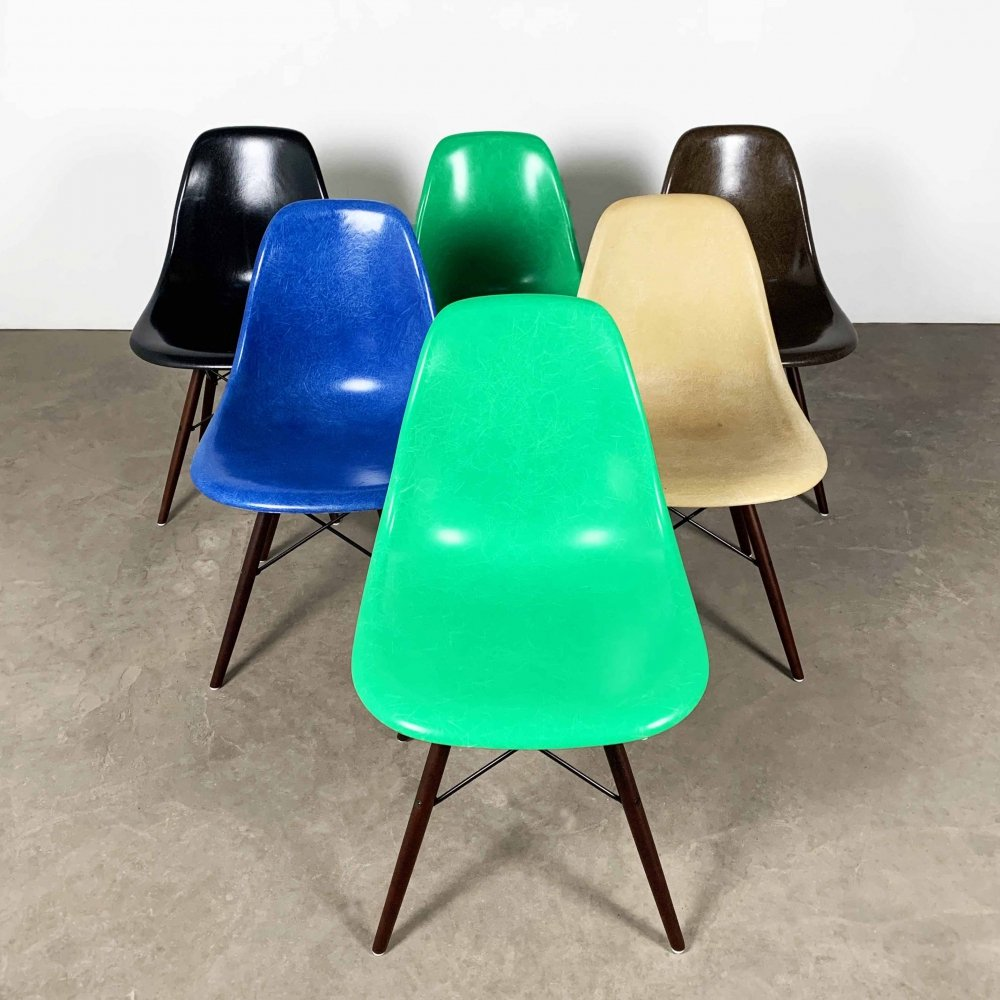 6 Fiberglass DSW Dining Chairs by Charles & Ray Eames for Herman Miller, 1980s
