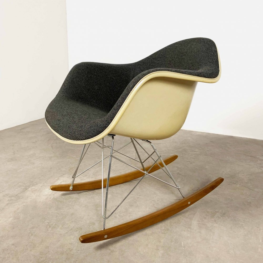 Fiberglass Rocking Chair by Charles & Ray Eames for Herman Miller, 1980s