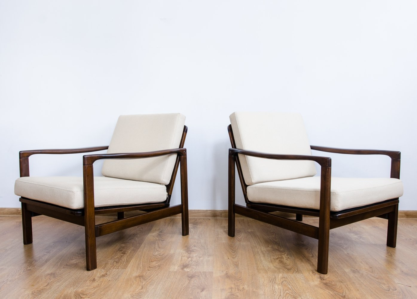 Pair of B-7752 armchairs by Zenon Bączyk, 1960s