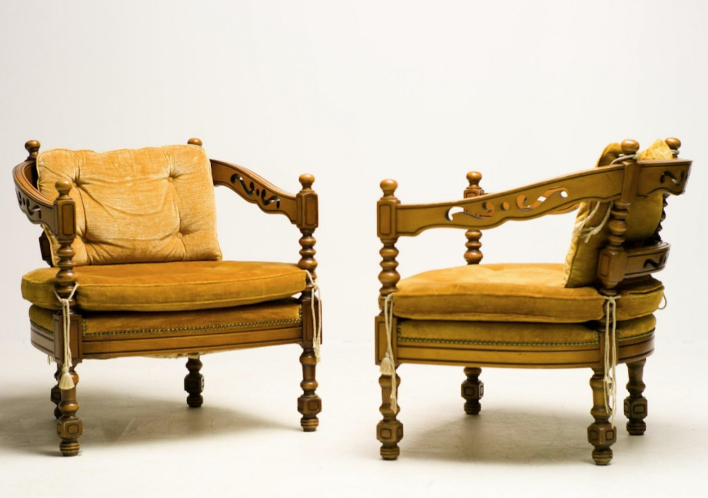 Set of 2 Giorgetti armchairs from