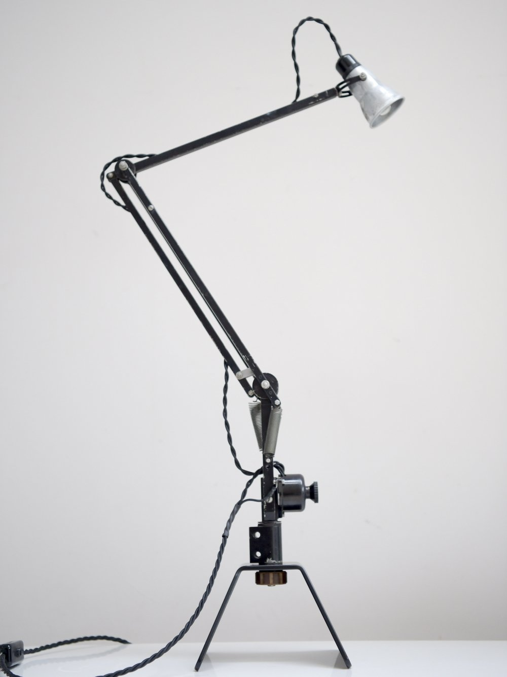 WW2 air ministry navigators Anglepoise lamp (5c/1079) by Herbert Terry & Sons