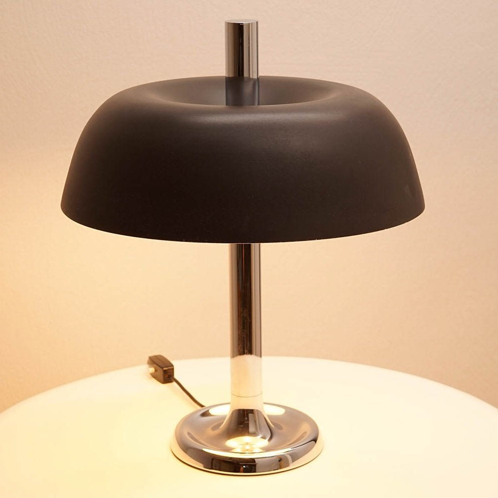 Large Hillebrand Table Lamp with Brown Shade