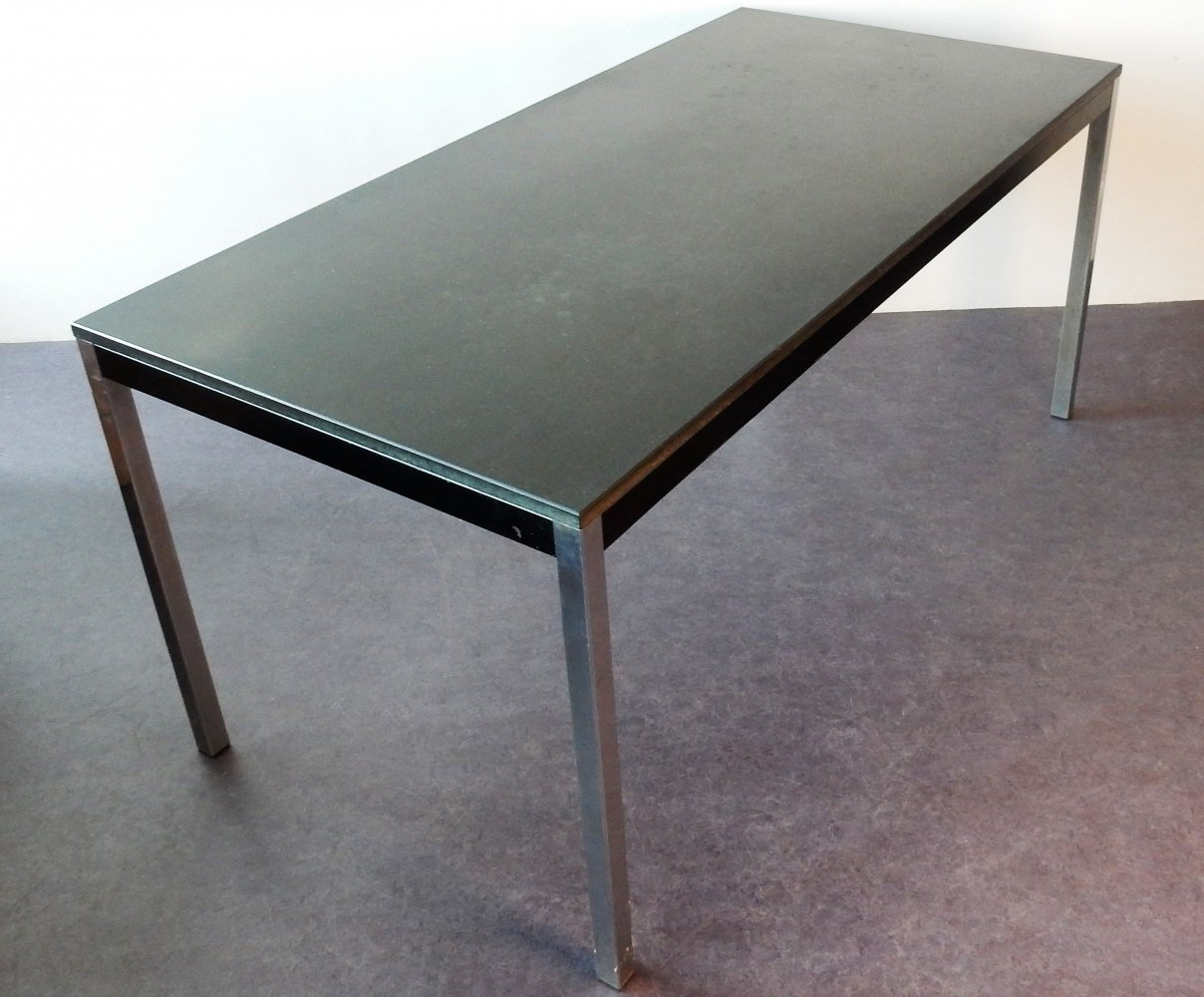 Model TE52 dining table by Martin Visser & Walter Antonis with Eternit top