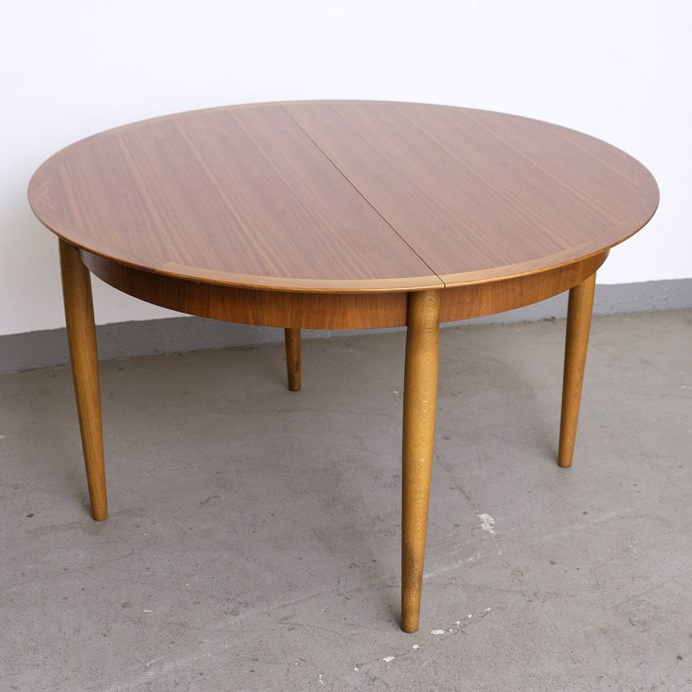 German Extendable Walnut Dining Table by Lübke, 1960s
