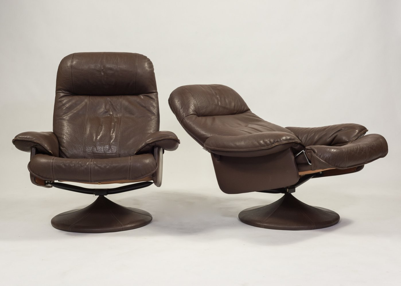 Set of 2 vintage Thams lounge armchairs, 1970s