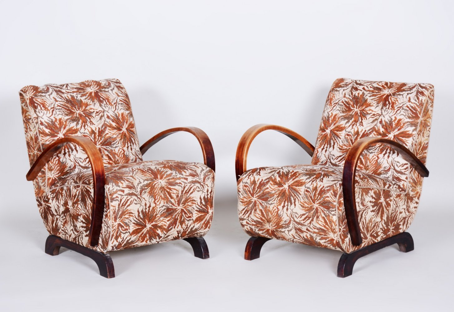 Pair of Beech Art Deco Armchairs by Jindrich Halabala, 1930s