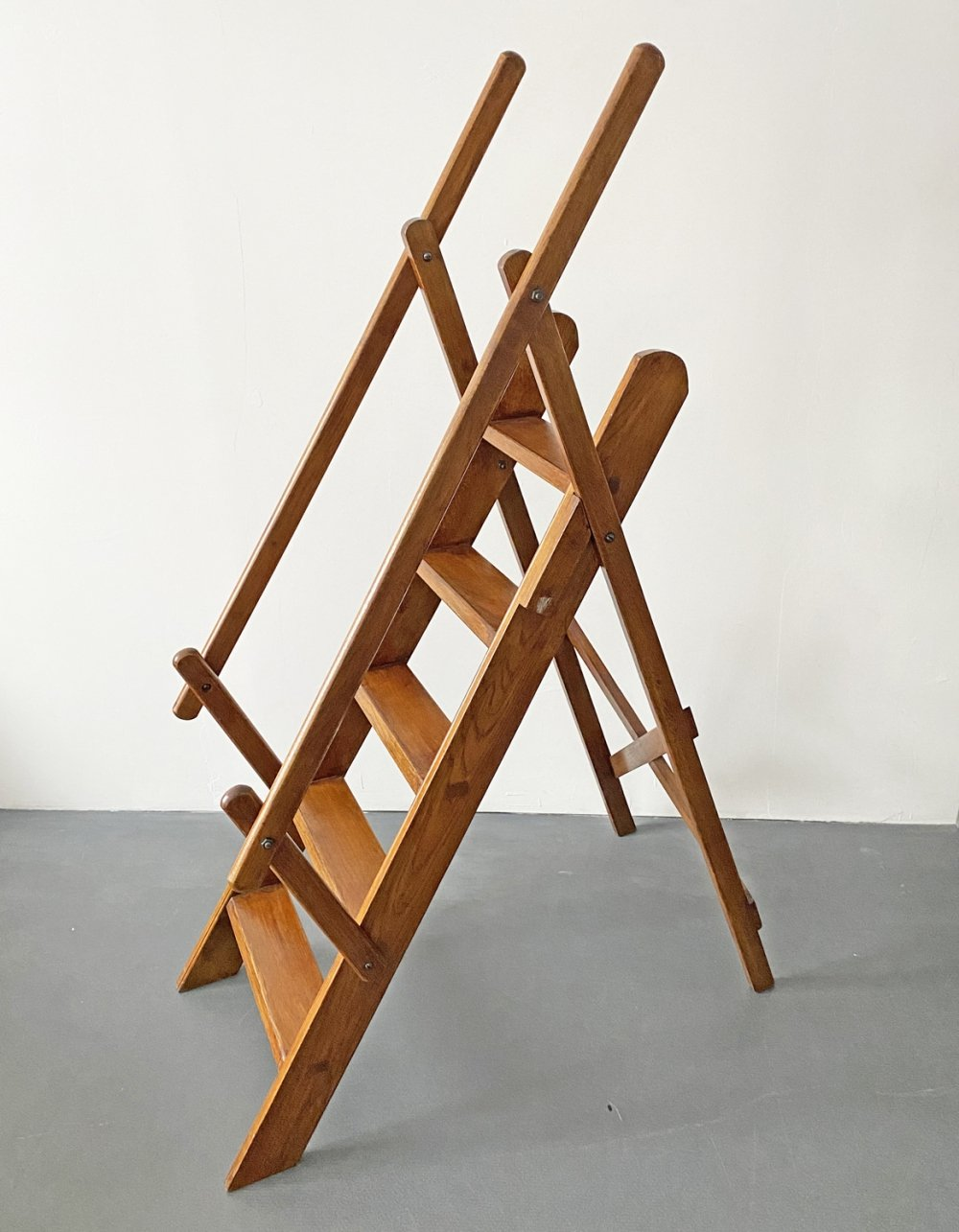 5-Step Library Manager Ladder in Brown Beech Wood with Railing, France 1970s